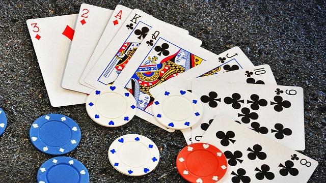 Kelebihan Situs Online Poker Daripada Poker Lain
