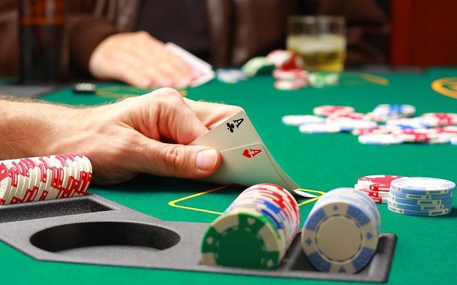 Tips untuk Mengunduh Game Poker Online di Smartphone Android